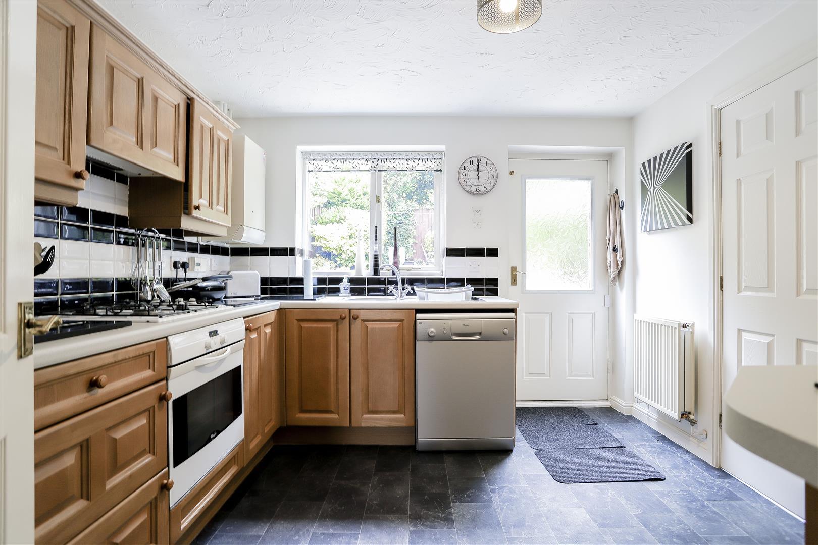 3 Bedroom Detached House For Sale - 4.jpg